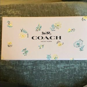 Coach cosmetic bag w mini jewelry bag